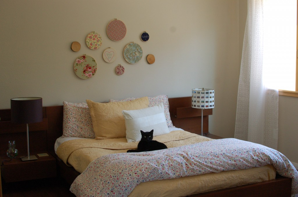 Bedroom with swatch portraits