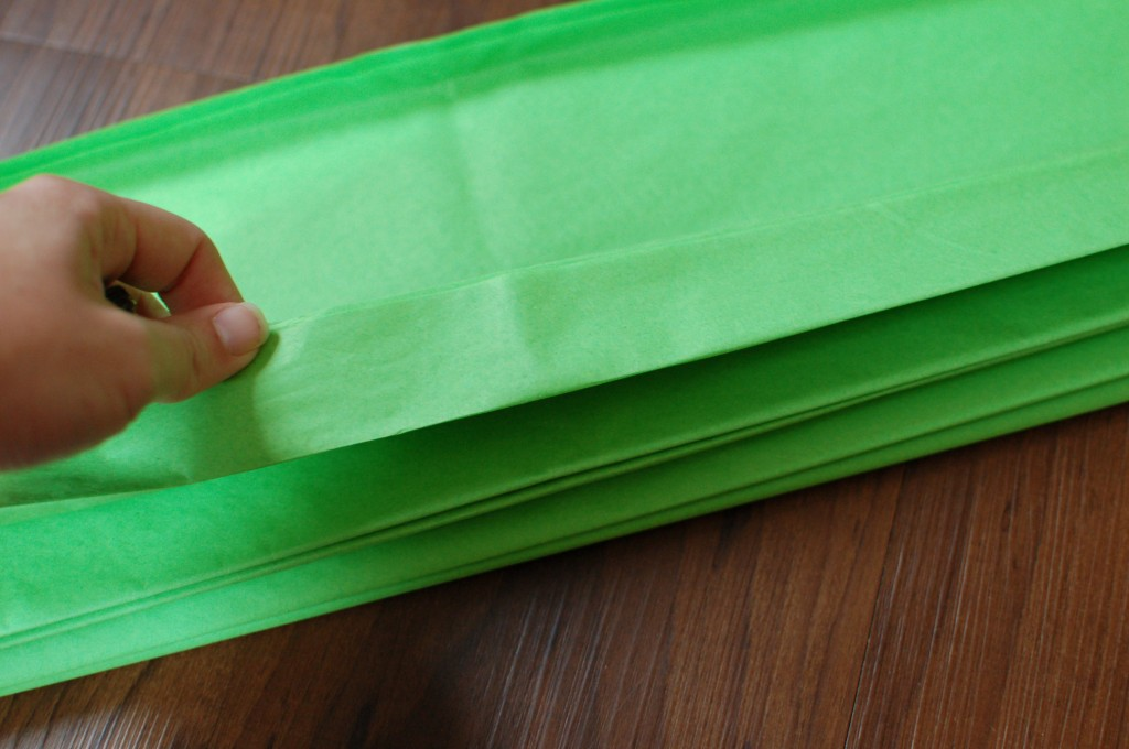 Folding tissue paper