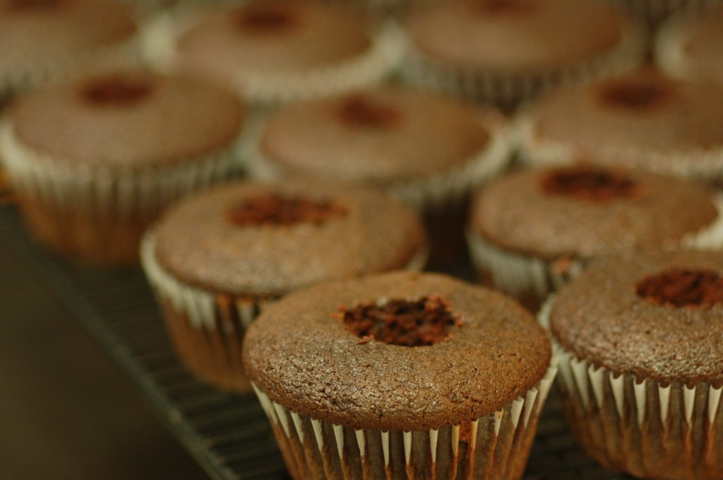 Cupcakes with filling holes