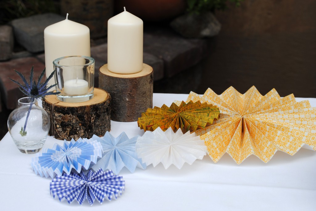 Rosettes and candles