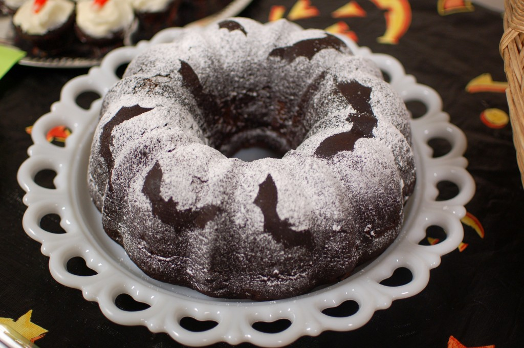Bat stencilled bundt cake