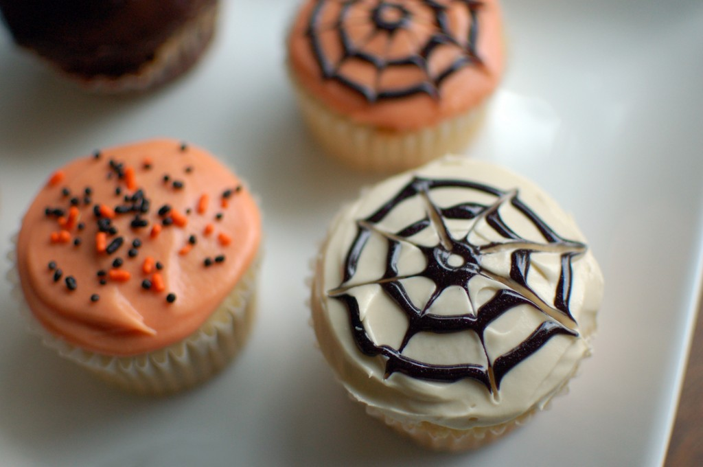 super easy halloween cupcakes