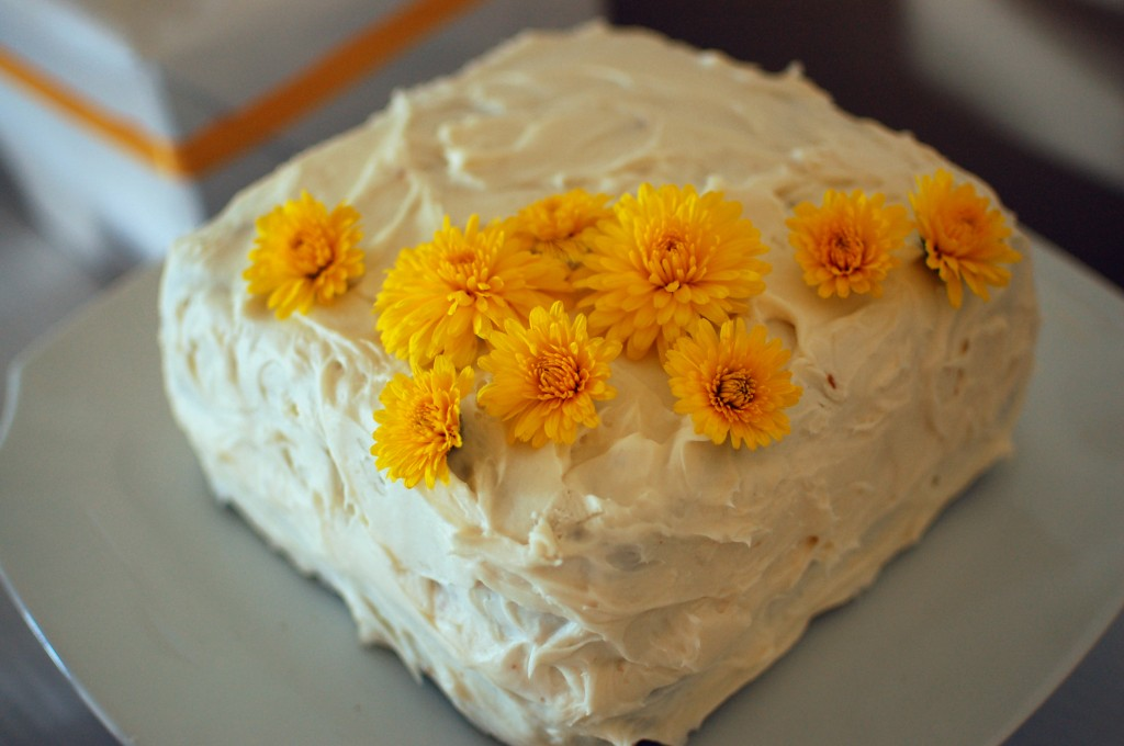 Cake decorated with mums