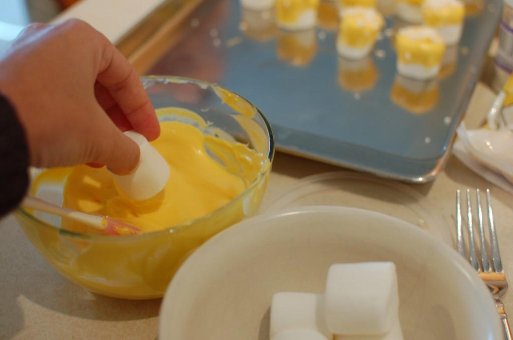 Dipping marshmallows