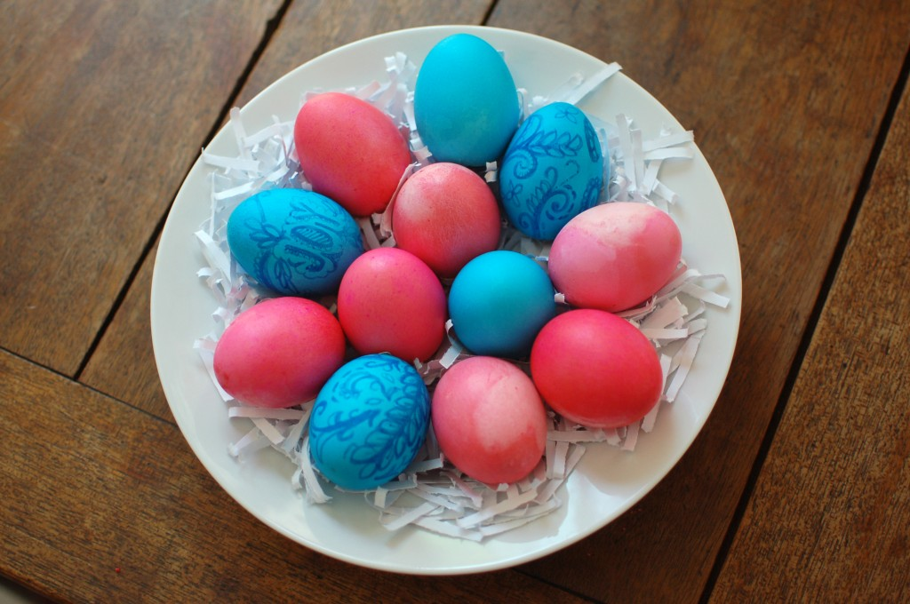 Cake-filled eggs
