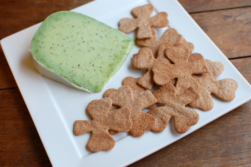 Shamrock crackers