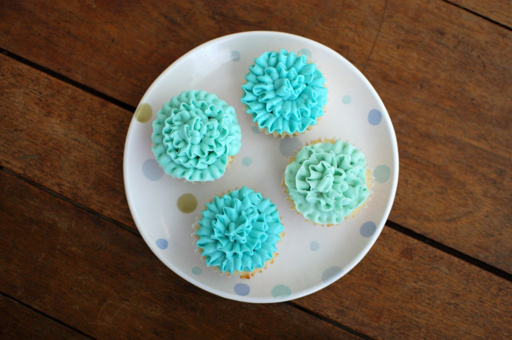 Ruffled aqua cupcakes  |  Seakettle